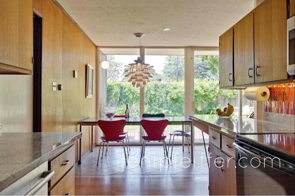 Eichler Kitchen view to Garden_Courtesy Jeni Pfeiffer